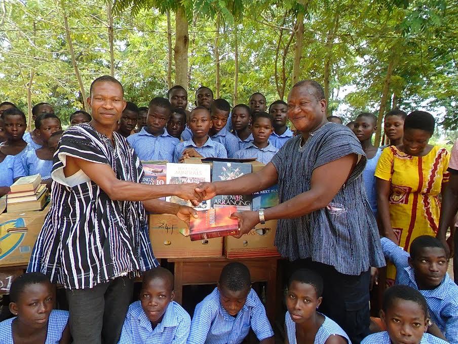 Donate Bibles - Send God's Word Worldwide - CSM Canada